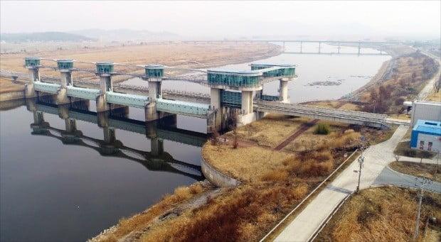 전남 나주시 다시면에 있는 영산강 죽산보.  /연합뉴스