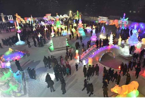 北, 김정일 생일 띄우기…피겨대회·얼음조각축제 개최