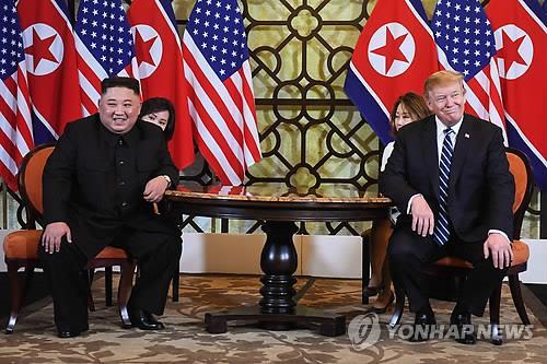 """트럼프 """"속도 중요하지 않다"""" 김정은 """"직감으로 좋은 결과 믿어"""""""