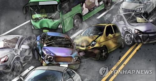 서해안고속도로서 13중 추돌사고…5명 중경상