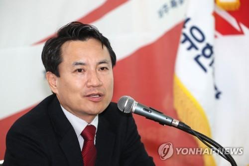 """김진태 """"5·18은 민주화운동, 이의없어…유공자 명단 공개해야"""""""