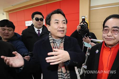 """김진태 """"5·18 공청회 주관적 의견, 객관적 평가 내려질 것"""""""
