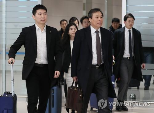 도종환 장관, IOC와 도쿄올림픽 남북 단일팀 협의 마치고 귀국