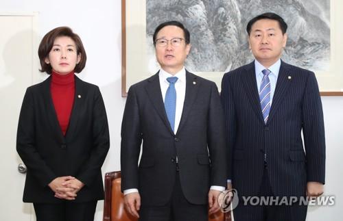 '김경수 구하기' vs. '황교안 탄핵 부당 발언' 여야 난타전