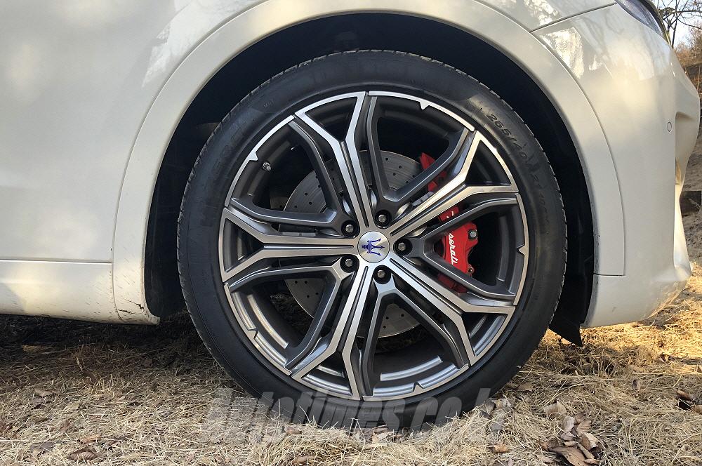[시승]마성의 SUV, 마세라티 르반떼 GTS