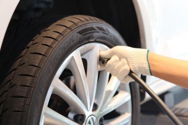 내 차 '타이어' 봤나요?…안전 마지노선 1.6mm? 3mm!