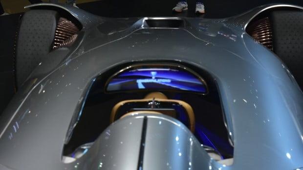 메르세데스-벤츠는 2019 서울모터쇼에서 전기차 노하우 집약체인 '비전 EQ 실버 애로우'를 아시아 최초로 공개했다. / 사진 = 정현영 기자