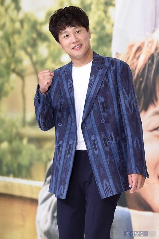 PD 활동명 라준모로 나설 당시의 배우 차태현/사진=변성현 기자