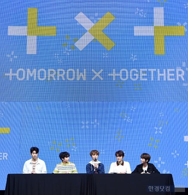 [포토] 투모로우바이투게더(TXT), 'BTS선배님들 따라 가겠다'