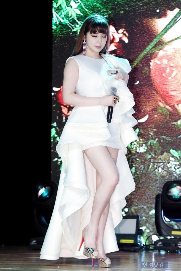 입덕도우미 박봄, '봄이 왔어요 봄이 와~' 믿고 듣는 목소리