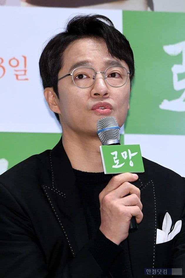 [포토] 조한철, '선생님들과 연기해 영광이야~'