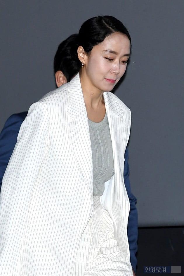 [PHOTOPIC] 전도연, '단아한 화이트 슈트 입고'