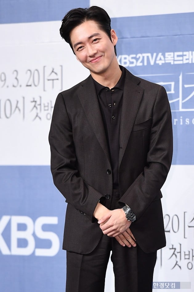[PHOTOPIC] 남궁민, 부드러운 모습에 눈길…'미소가 멋진 남자'
