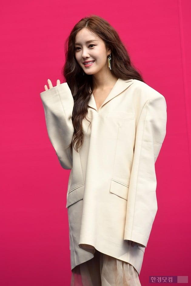 [PHOTOPIC] 효민, '패션의 완성은 효민'(2019 F/W 서울패션위크)