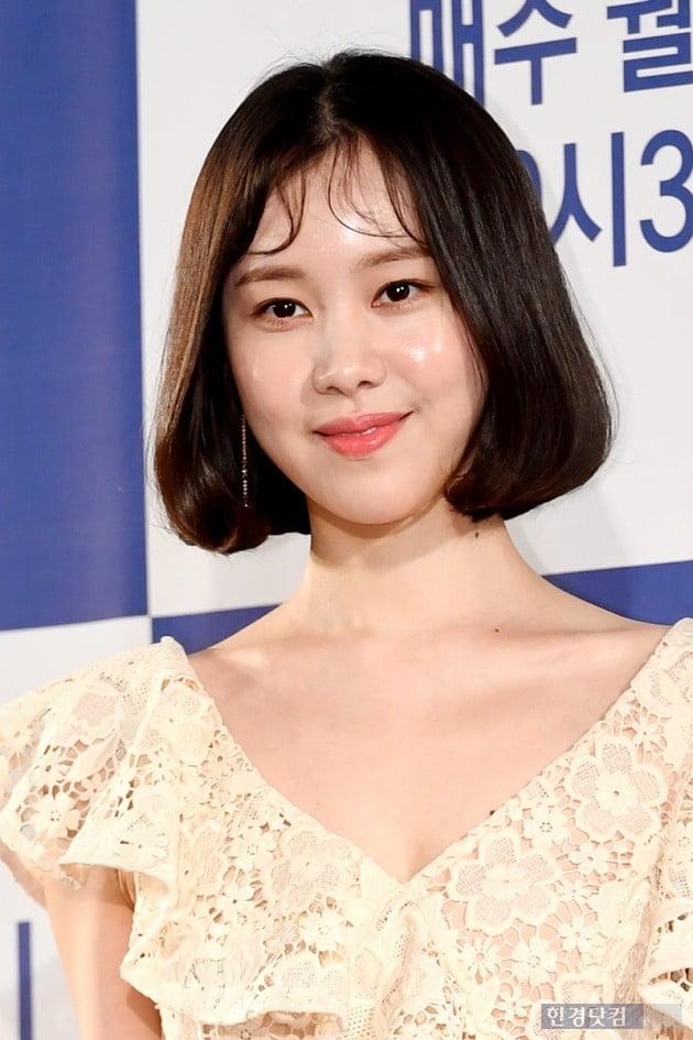 [PHOTOPIC] 김예원, '누드톤 시스루 원피스 입고~'