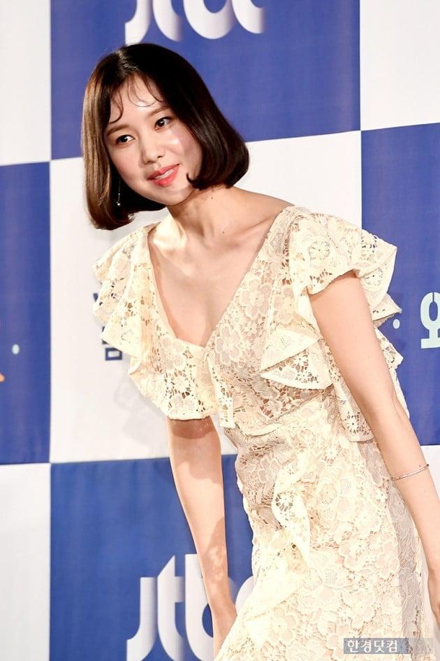 [포토] 김예원, '푹 파인 의상 입고'