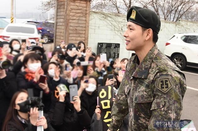 [포토] 임시완, '팬들 향한 부드러운 미소~'