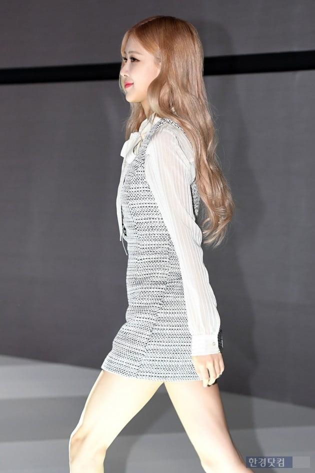 [포토] 블랙핑크 로제, '사랑스러운 발걸음'(2019 서울모터쇼)