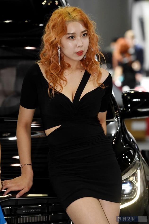 [포토] 레이싱모델 태림, '도발적인 눈빛'(2019 서울모터쇼)