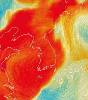 세계 기상정보를 시각화해 보여주는 어스널스쿨 웹사이트에서 한반도가 미세먼지로 뒤덮여 있다. 미세먼지 농도가 높은 지역일수록 붉은 색으로 표시된다.  /어스널스쿨 화면 캡처
