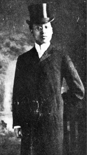 1905년 미국 시어도어 루스벨트 대통령을 접견할 당시 외교관 복장을 한 이승만.