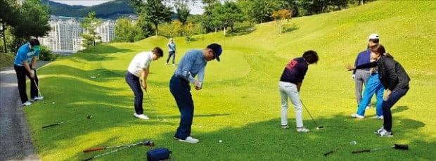 """고덕호·김영·허석호, 명장들의 '밀착 레슨'…""""당신의 골프가 확 바뀝니다"""""""