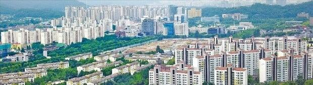 올해 공동주택 공시가격 상승률 1위(23.41%)를 기록한 경기 과천 일대 아파트 단지. /한경DB