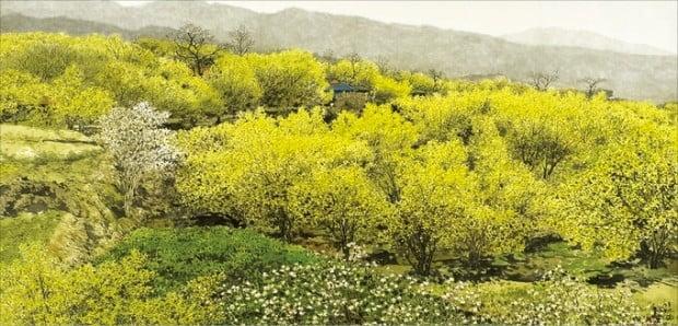 오용길 화백이 청작화랑의 개인전에 출품한 '봄의 기운-산동'.