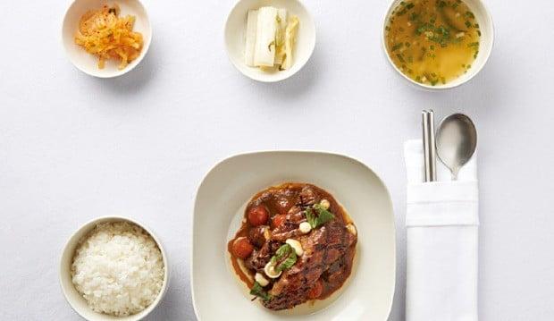 ② 소갈비 요리와 쌀밥.