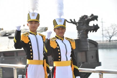 해군사관학교 73기 졸업식…새내기 정예장교 147명 배출