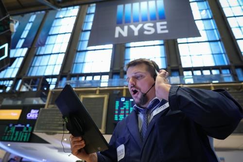 S&P 500 소속 132개 기업 CEO, 평균 총보수 140억원…6.4%↑