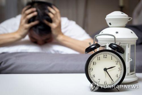 """""""수면 부족하면 알츠하이머병 진행 빨라져"""""""