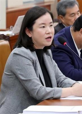 신보라, 6개월 아기와 국회 동반 출석 연기
