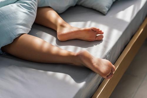 하지 정맥류, 다리 통증에 이어 숙면까지 방해한다