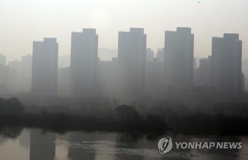 '세상이 온통 회색빛'…미세먼지로 뒤덮인 대전·충남