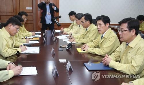 """정부, 미세먼지 대응 긴급차관회의…""""모든 수단 강구할 시점"""""""