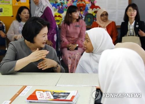 """김정숙 여사 """"남편 은퇴하면 말레이시아 많이 방문"""""""