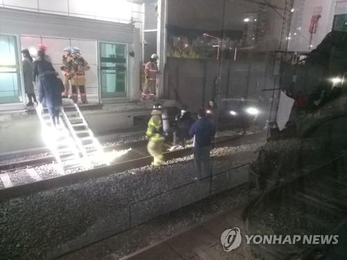 7호선 열차 도봉산역 터널서 탈선…승객 290명 긴급 대피