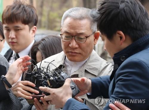 '김성태 딸 부정채용' 서유열 전 KT사장 구속…검찰 수사 확대