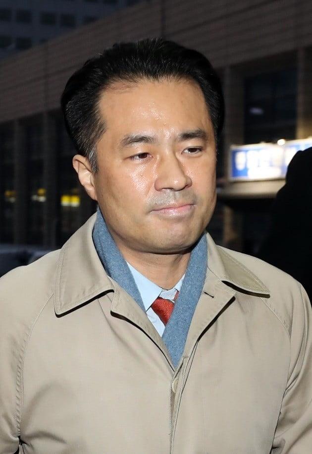 손석희 JTBC 대표를 폭행치상 등 혐의로 고소한 김웅 프리랜서 기자/사진=연합뉴스