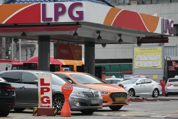 미세먼지 관련 3개 법 개정에 따라 오는 26일부터 일반인들도 LPG 차량을 신규·변경·이전 등록하는 것이 가능해진다.(사진=연합뉴스)