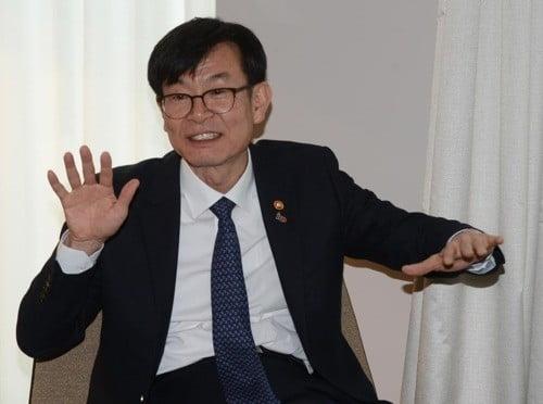 """김상조 """"올해 주총, 기업 지배구조 변화 이정표 될 것""""(사진=연합뉴스)"""