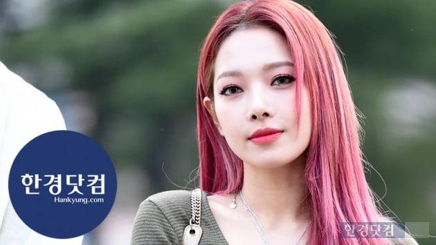 [HK영상] 카드 전소민, 도도한 눈빛에 빠져들겠네…'아름다워~' (세로직캠)