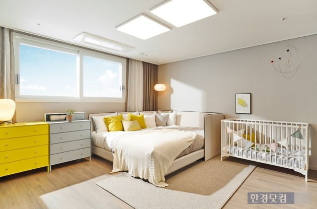 대림산업의 C2하우스 콘셉트가 적용된 평면.  전용 84㎡의 안방에 가족침대가 들어가도 충분하게 공간이 나온다.
