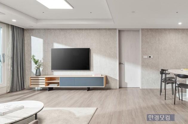 대림산업의 C2하우스 콘셉트가 적용된 평면. 거실 아트월이 주방까지 확대돼 넓은 공간감을 준다.