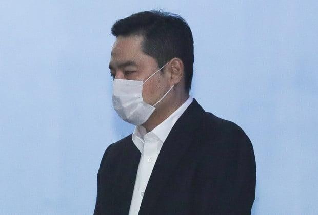 '소송문서 위조' 강용석 2심 무죄…163일만에 석방