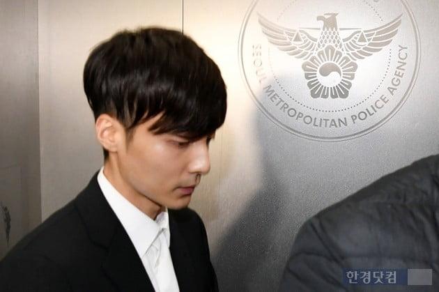 가수 로이킴 경찰 출석 / 사진=최혁 기자