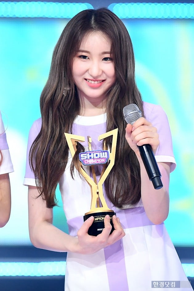 [포토] 아이즈원 이채연, '예쁨 가득한 미소~'