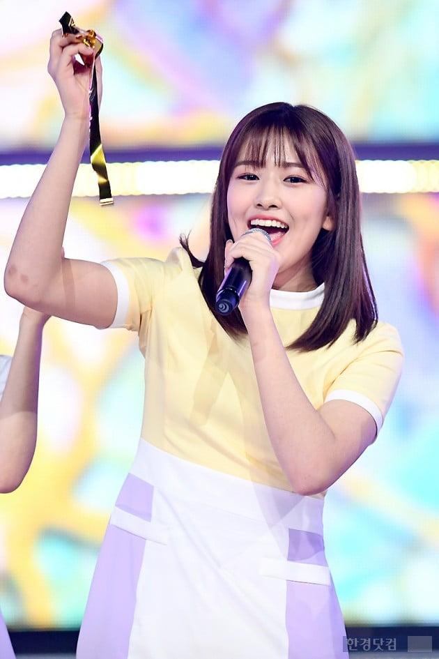 [포토] 아이즈원 안유진, '예쁨 가득한 미소~'