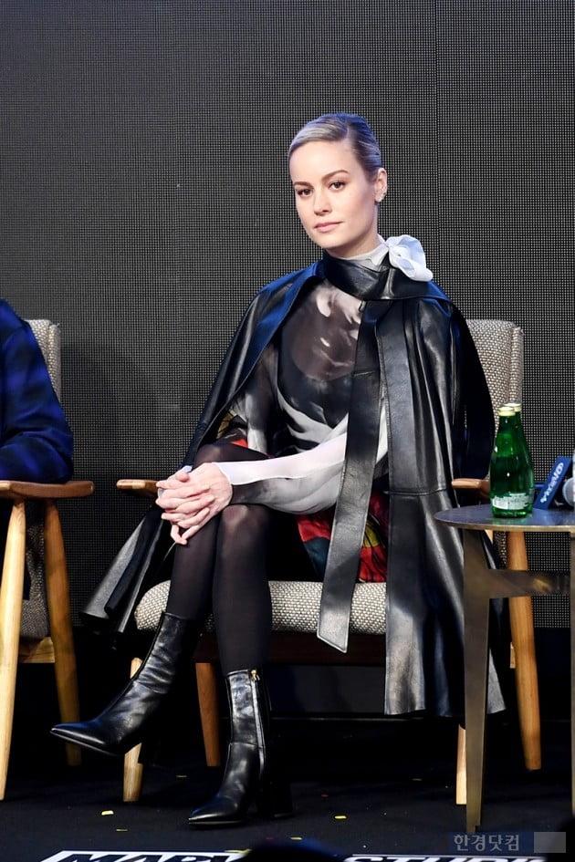"""'어벤져스:엔드게임' 브리 라슨 """"'캡틴 마블' 페미니즘 논란, 많은 걸 알려줬다"""""""